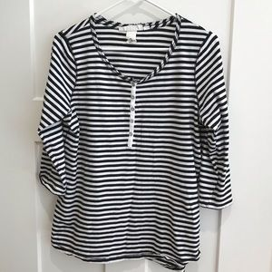 Label of graded goods Tops - Striped T-shirt, quarter sleeves